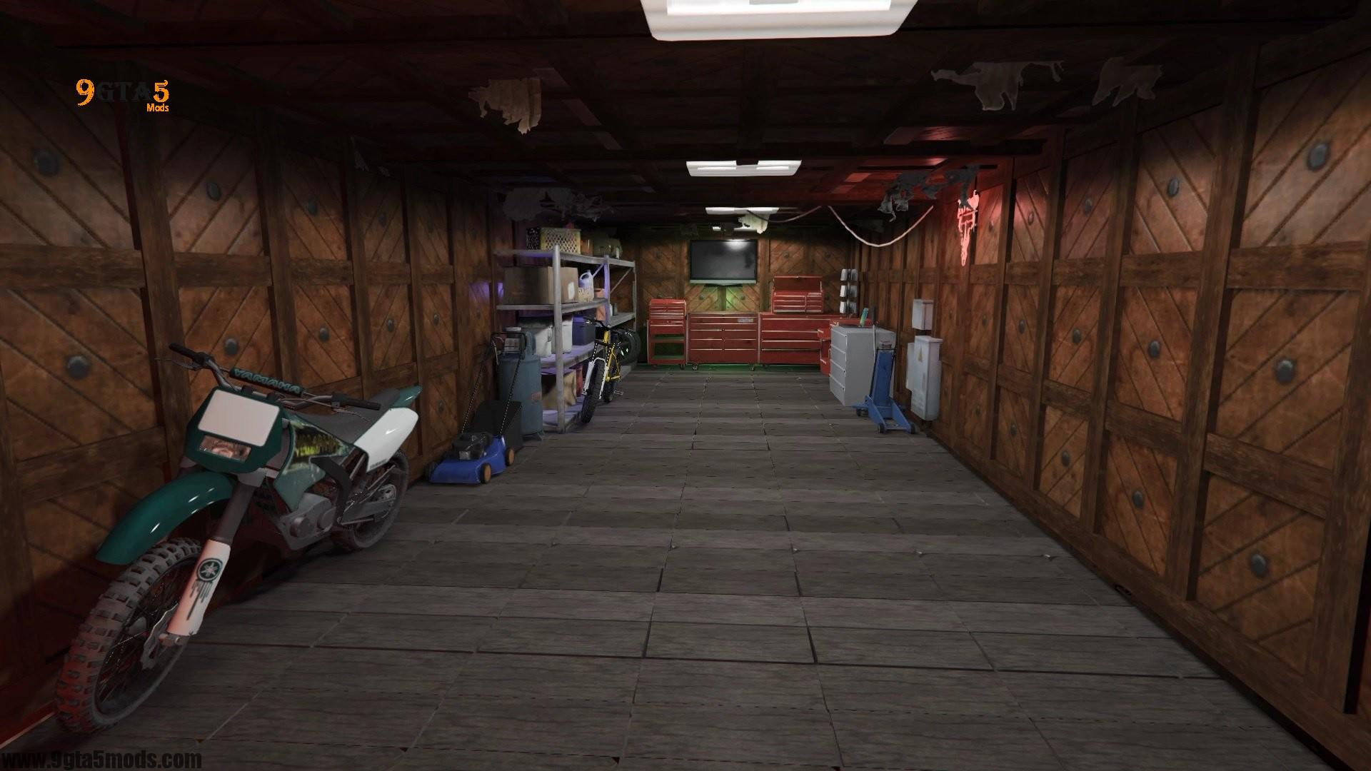 Trevor's Log House9